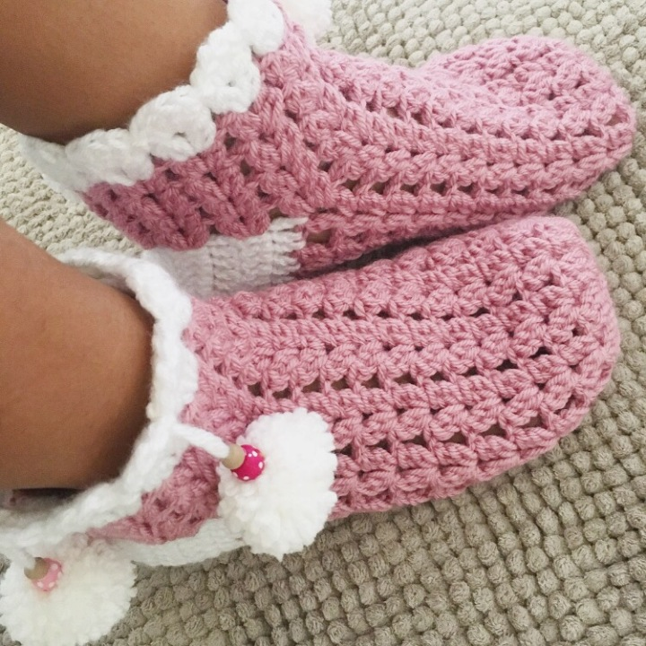 Crochet slippers with Pom Pom